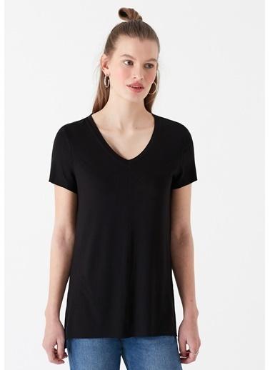 Mavi Kadın  V Yaka Basic Tişört 166775-900 Siyah